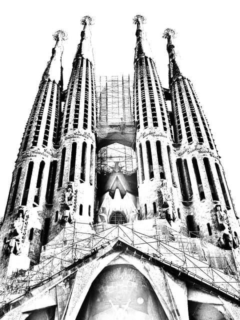La sagrada familia se encuentra en Barcelona. Una ciudad muy influyente en el sector del marketing digital